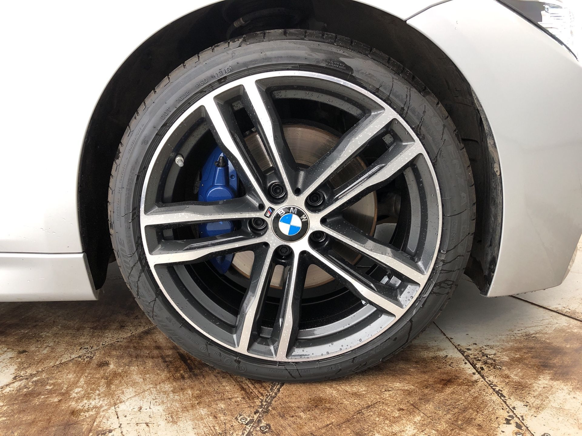 Image 7 - BMW 320d M Sport Shadow Edition Saloon (YK68BSO)