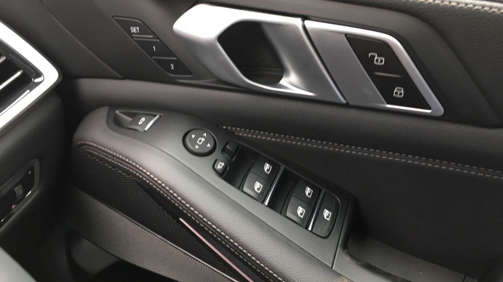 Image 27 - BMW M50d (MD19HPV)