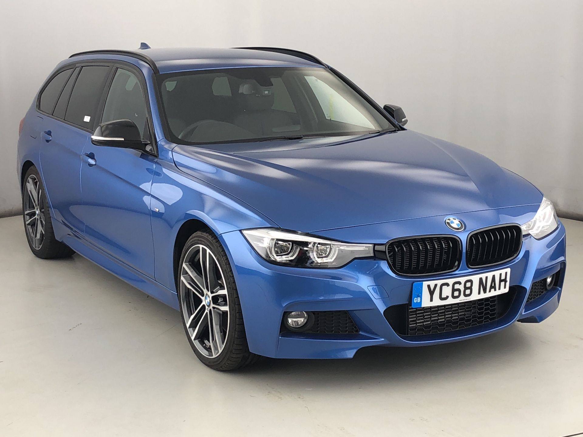 Image 1 - BMW 320d M Sport Shadow Edition Touring (YC68NAH)