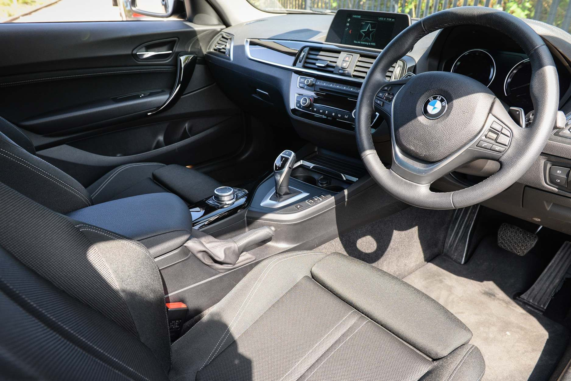 Image 4 - BMW 220d Sport Coupe (YK18YTR)