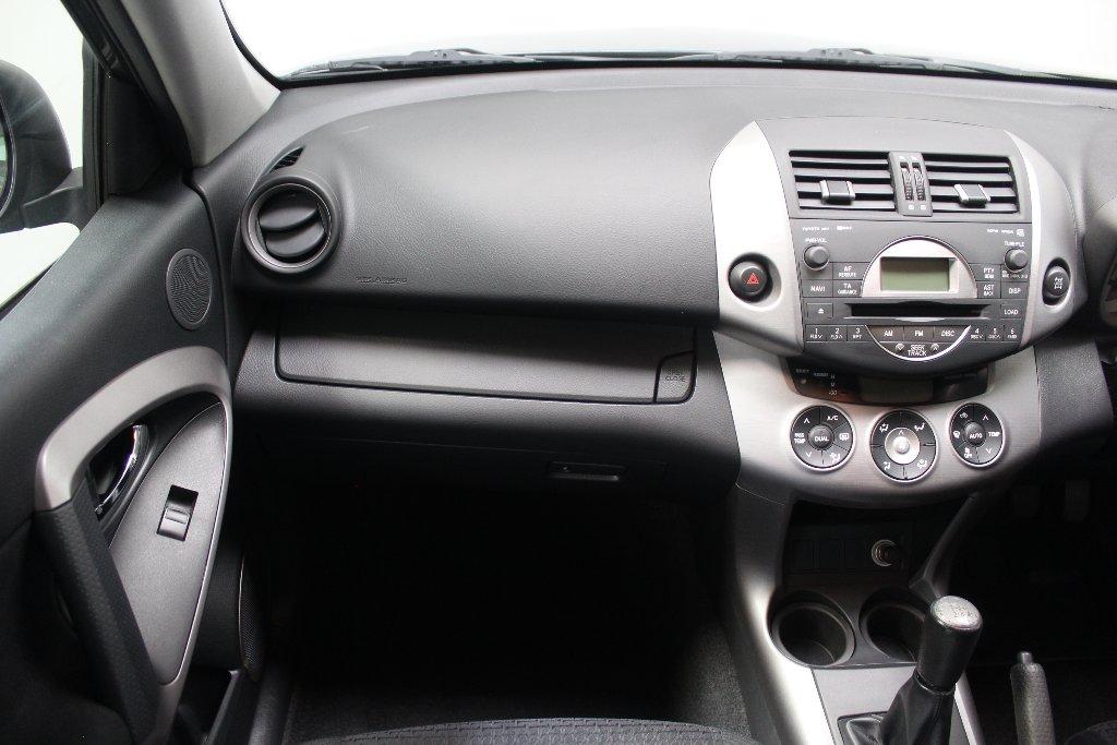 Toyota RAV4 Images