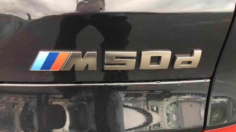 Image 22 - BMW M50d (MD19HPV)