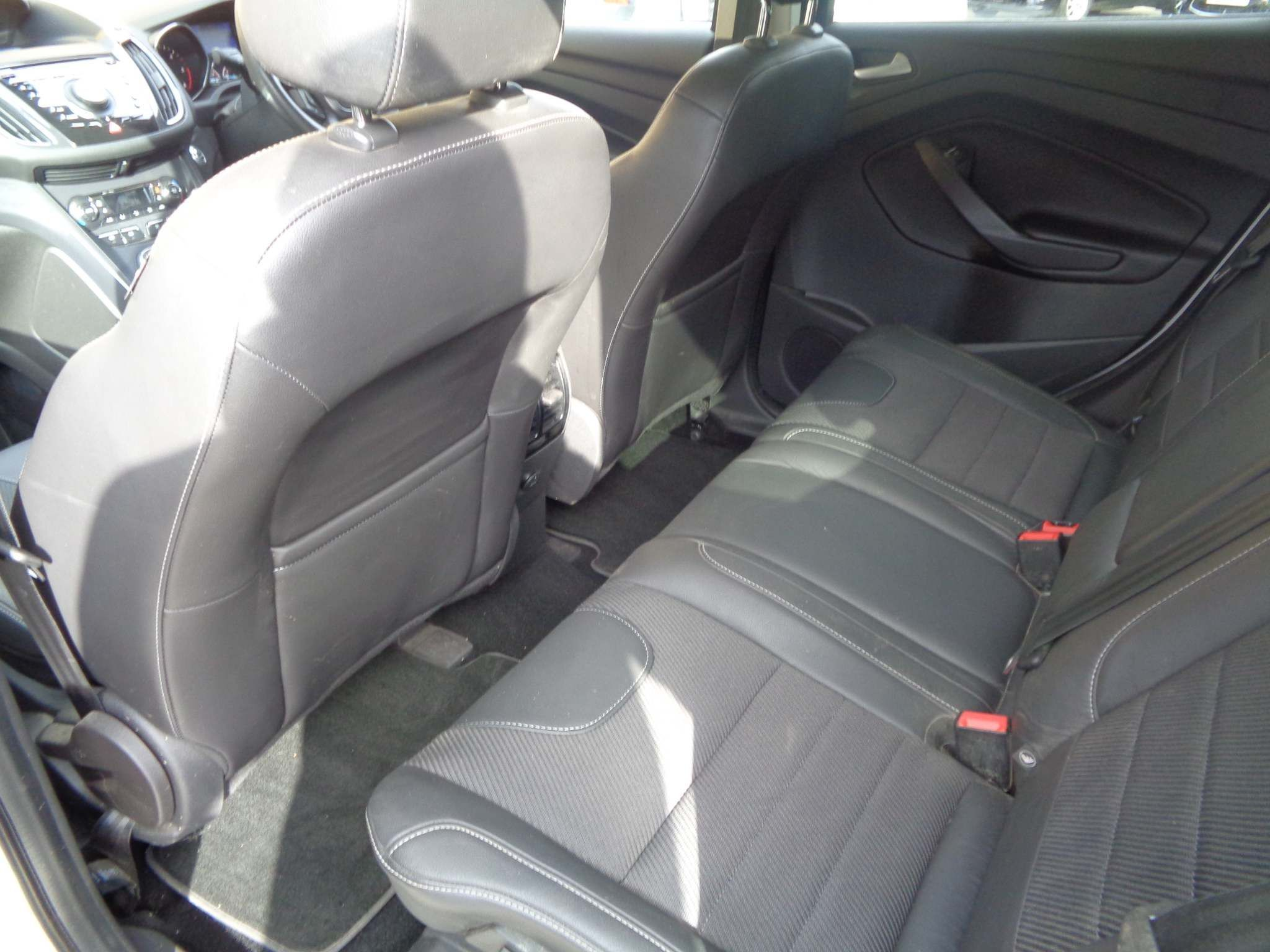 http://pictures2.autotrader.co.uk/imgser-uk/servlet/media?id=acce666fe5434af99598ae60edf2cbc7