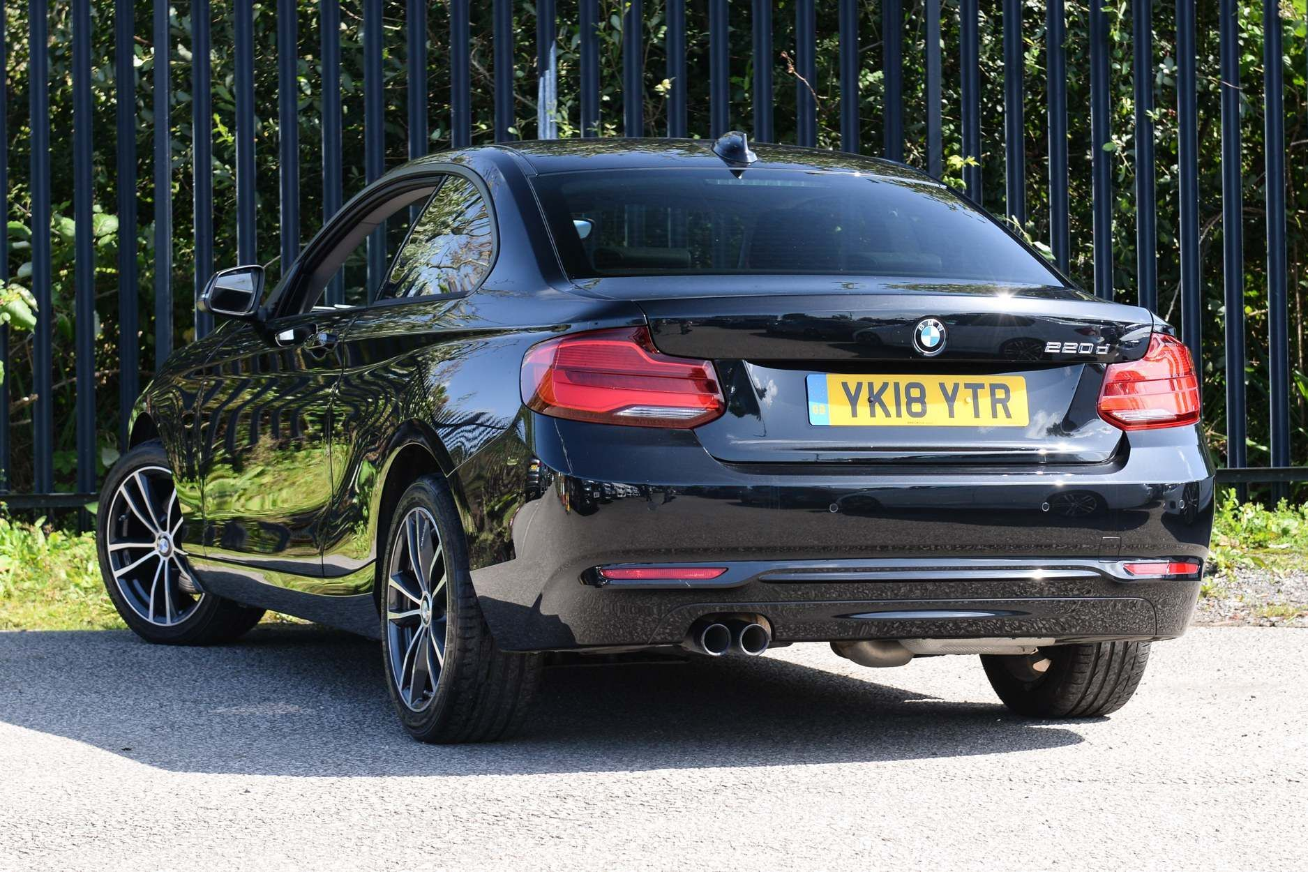 Image 2 - BMW 220d Sport Coupe (YK18YTR)