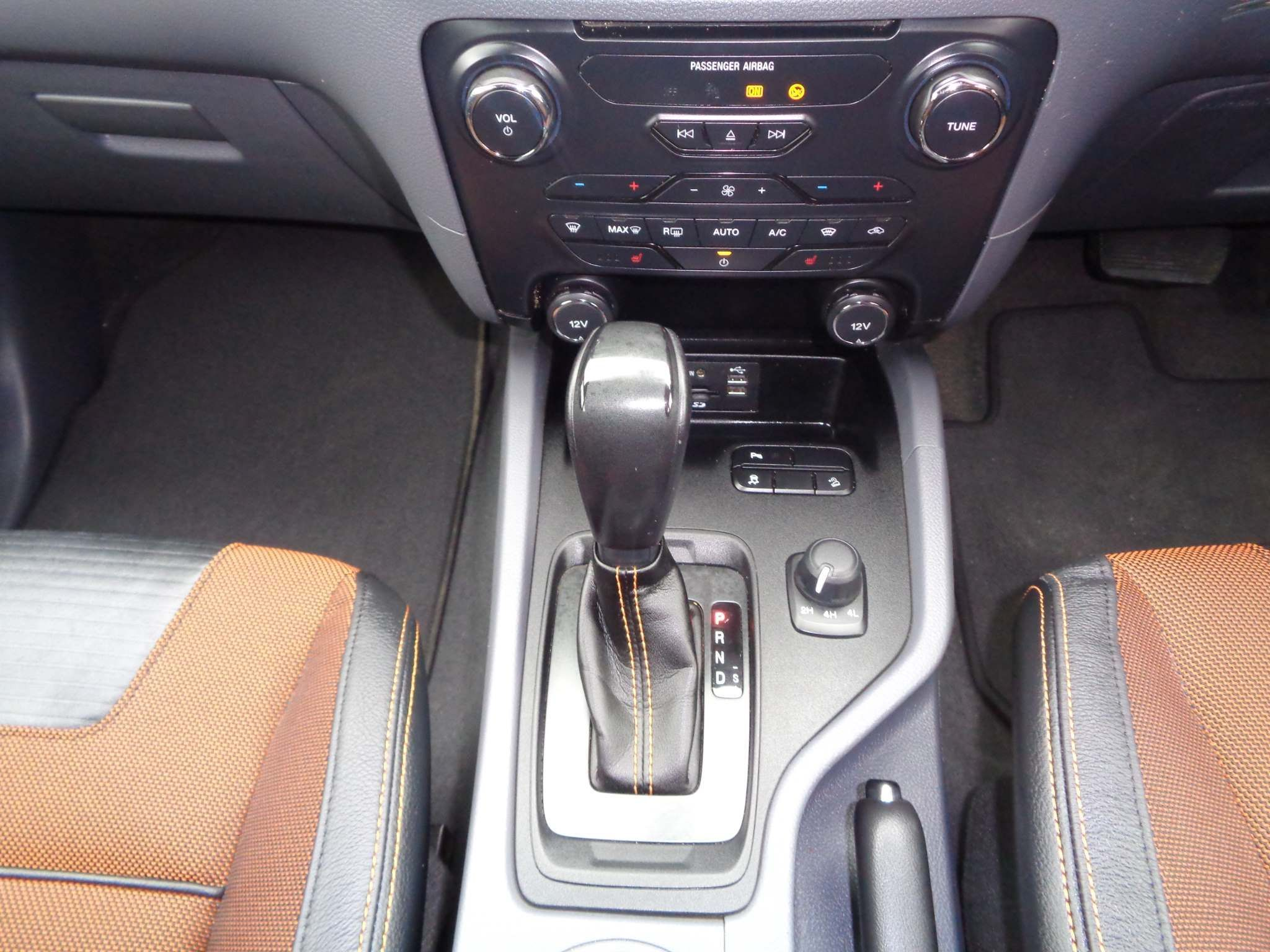 http://pictures2.autotrader.co.uk/imgser-uk/servlet/media?id=aed6452a5e484c1da1038f9f01a81163