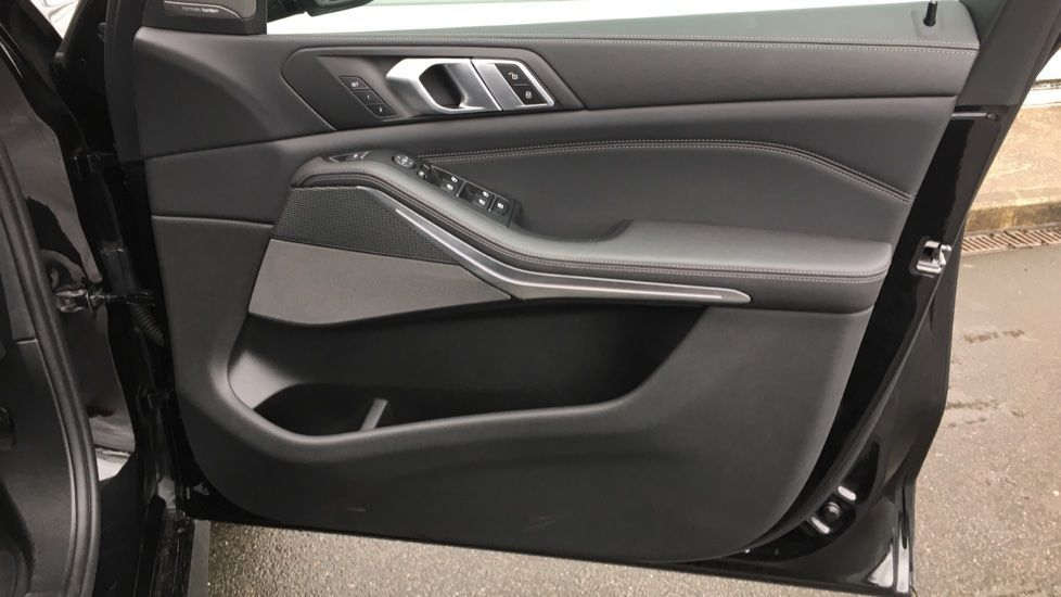 Image 8 - BMW M50d (MD19HPV)