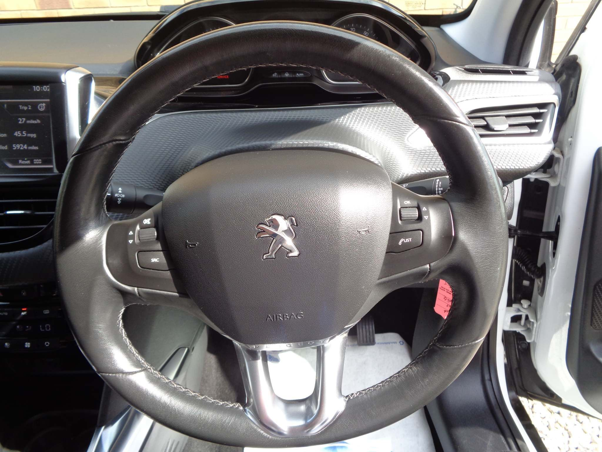 http://pictures2.autotrader.co.uk/imgser-uk/servlet/media?id=bc2a8ab7f0444ce5812e6cb2d2d1100f