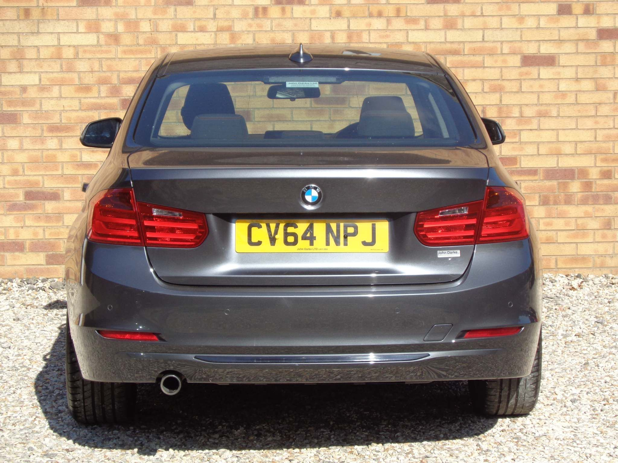 http://pictures2.autotrader.co.uk/imgser-uk/servlet/media?id=cdd4ff7cf14542539c9a9a9a78d69488