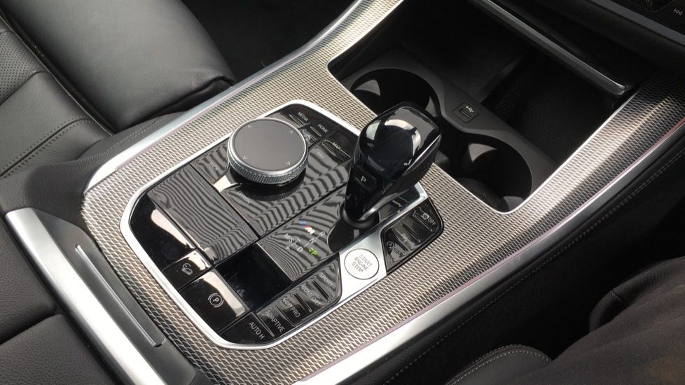 Image 20 - BMW M50d (MD19HPV)
