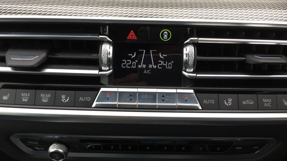 Image 33 - BMW M50d (MD19HPV)