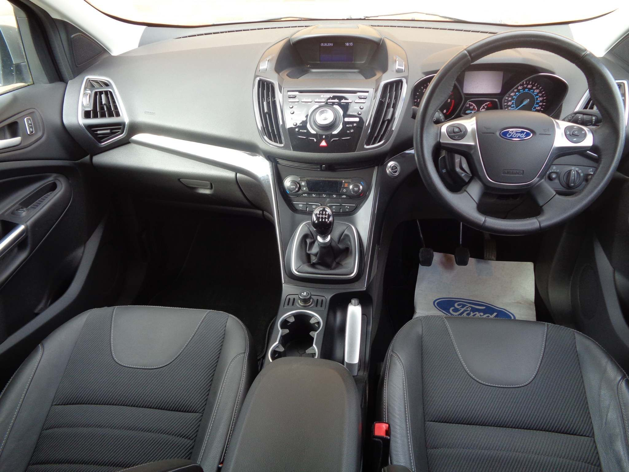 http://pictures2.autotrader.co.uk/imgser-uk/servlet/media?id=fdcaecb41e684b51845a792d54adce61
